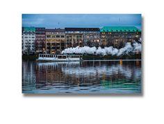 Bezeichnung: 1 Foto auf Leinwand aus eigener Herstellung - nur im senta shop erhältlich, fotografiert von SentaCS Material: Leinwand auf Holzrahmen Größe: 30 x 20 x 2cm Motiv: Hamburg...