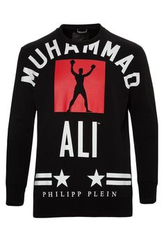 Trendy sweatshirts belong to every men's closet! Teamed with a PHILIPP PLEIN jeans or the matching sweat pants, this comfortable hoodie comes with a Muhammad Ali motive. Browse the complete Philipp Plein collection online at Boudi UK. Philipp Plein is pure luxury with his latest Menswear Collection embodying the designers rebel streak, and glamorous ideals making the Philipp Plein brand instantly recognisable.  FW14-HM622096-2