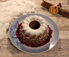 Ihanan maukas jouluinen kakku. Helppo ja nopea tehdä. Suosittelen kyllä kokeilemaan. Parhaimillaan seuraavana päivänä.    Ohje:  5½ dl v... Doughnut, Food And Drink, Desserts, Clock, Tea, Tailgate Desserts, High Tea, Deserts, Watch
