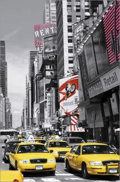 Straßen und Autobahnen sind nicht einfach nur ein Weg von A nach B. Besonders historische Straßen wie die Route 66 oder der Broadway werden immer gern auf Bildern festgehalten, da sie als Poster an die Geschichte der Straße erinnern.