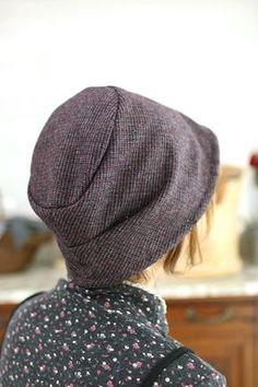 니트꽃 벙거지 Gatsby Hat, Do Rag, Scarf Tutorial, Ear Warmer Headband, Diy Hat, Recycled Fashion, Cloche Hat, Crochet Clothes, Wool Felt