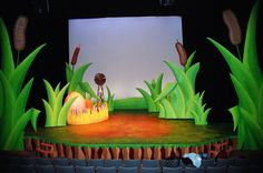 Set Design - Capilano University, 2008 I have designed the musical HONK! two times and had it tour in many other theatres after it. Lion King Play, Lion King Jr, Set Design Theatre, Prop Design, Honk The Musical, Hansel Y Gretel, Paper Art, Paper Crafts, Stage Props
