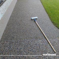 Tak a pracovní část týdne za námi. Hezký víkend přátelé 👣  #topstone #top #stone #kamínkovýkoberec #weekend #relax Garden Tools, Relax, Stone, Rock, Yard Tools, Stones, Batu