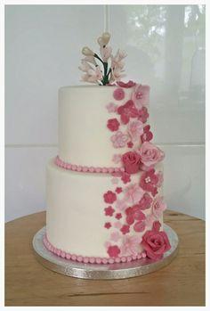 Pink flowers birthday cake
