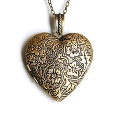 Lockets are always a good thing for secret messages. Yes. I JUST LOVE LOCKETS THEY ARE SIMPLE AND AMAZING <3