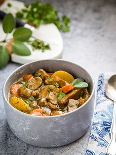 Beefless stew is vegan cooking at its simplest--fresh vegetables, lots of herbs, optional grains, and your choice of protein. Vegan Stew, Vegan Vegetarian, Vegetarian Recipes, Vegan Soups, Vegan Meals, Vegan Food, Dessert Cake Recipes, White Bean Soup, Vegan Kitchen