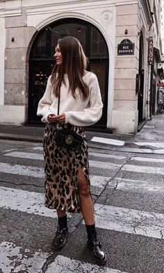 slit leopard skirt trendy leopard coat outfits that are Edgy Fall Street Style 2018 Outfits To Copy Simple Fall Outfits, Casual Outfits, Flannel Outfits, Casual Fall, Flannel Shirt, Fast Fashion, Look Fashion, Fashion Art, Fashion Check
