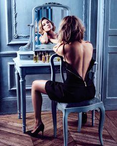 4 photos of Louis Vuitton's new modern fragrance collection featuring actress Léa Seydoux: