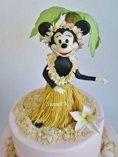 Minnie Mouse Disney Cake