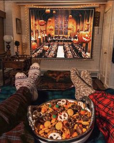 """""""Nothing better than an Autumn muggle snuggle ❤️😁⚡️ what's your fav. - My Happy Halloween - Casa Halloween, Halloween Movie Night, Halloween Tags, Happy Halloween, Halloween Decorations, Fall Decorations, Halloween Bedroom, Salem Halloween, Halloween Living Room"""