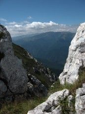 Piatra Craiului - Massif in the Southern Carpathians Big Mountain, Mountain Range, Mountain Pictures, Romania, Beautiful Places, Southern, Mountains, Water, Outdoor