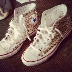 studed converse white with gold studs LOVe IT !!!