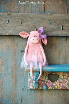 Primitive Pig-Primitive Rag Doll-Spring Decor-Primitive Decor-Valentine's Gift-Ballerina Doll-Primitive Valentine