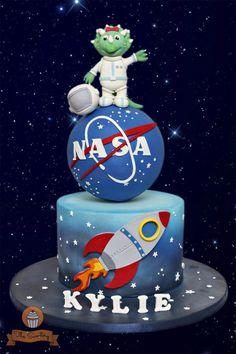 Astronaut-Triceratops Cake by The Sweetery - by Diana Rocket Cake, Planet Cake, Baby Boy Birthday, Birthday Cake, Astronaut Party, Space Party, Space Theme, Galaxy Cake, Dinosaur Cake