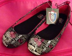 For your eyes only fashion Monster High Shoes, Hacks Every Girl Should Know, Girls Slip, For Your Eyes Only, Only Fashion, Baby Items, Bff, Toms, Slip On