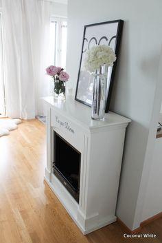 Coconut White: Toivepostaus: Meidän kodin silkkiset verhot + vastauksia Fireplaces, Kitchen Appliances, Blog, Home Decor, Fireplace Set, Diy Kitchen Appliances, Fire Places, Home Appliances, Decoration Home