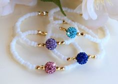 White and Gold with Colored Crystal Bead Friendship Bracelet/BFF - Armband Ideen Kids Jewelry, Cute Jewelry, Jewelry Crafts, Beaded Jewelry, Friendship Bracelets With Beads, Crystal Bracelets, Crystal Beads, Bracelet Patterns, Bracelet Designs