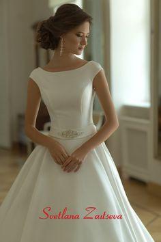 Свадебные платья 17-267 / Каталог свадебных платьев - купить свадебные платья в свадебном салоне Светланы Зайцевой / Коллекции