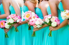 Gorgeous pink bridesmaid bouquets | Elegant Pink and Gold Wedding