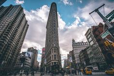 General 1600x1066 New York City Flatiron Building  cityscape taxi clouds