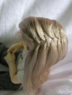 15 Ideas crochet doll hair cap yarn wig for 2019 Yarn Wig, Doll Making Tutorials, Doll Costume, Costumes, Wig Making, Sewing Dolls, Doll Tutorial, Waldorf Dolls, Fairy Dolls