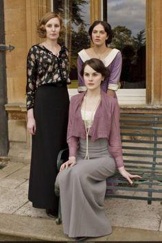 La settimana scorsa ho terminato una delle serie tv più incredibili che abbia mai guardato: Downton Abbey. Dopo sei stagioni si mette la parola fine ad un vero e proprio capolavoro. Non starò a par…
