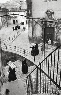Bid now on L'Aquila degli Abruzzi, Italy by Henri Cartier-Bresson. View a wide Variety of artworks by Henri Cartier-Bresson, now available for sale on artnet Auctions. Fotos De Henri Cartier Bresson, Henry Cartier Bresson, Magnum Photos, Candid Photography, Vintage Photography, Street Photography, Exposure Photography, Urban Photography, Minimalist Photography