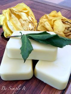 Make nourishing lotion bars today with this tutorial from Be Simply It! Non-greasy, lightweight recipe.