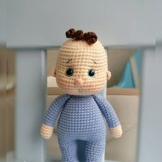 Hi friends today I will try to explain in detail the very sweet knitting toy minis baby recipe. Amigurumi, as you know, is a word. Baby Knitting Patterns, Crochet Dolls Free Patterns, Crochet Motifs, Crochet Toys, Crochet Baby, Free Crochet, Minis, Amigurumi Doll, Little Babies