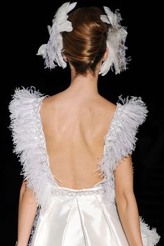 Isabel Zapardiez Vogue, Backless, Dresses, Fashion, Bridal Collection, New York Fashion, Walkway, Seasons, Boyfriends