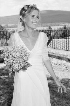 Preciosa Inés con su sonrisa y su vestido de de Cortana #weddingdresses #bride #spain