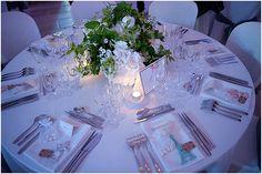 Classic wedding table | Image by David Bacher, read more http://www.frenchweddingstyle.com/wedding-film-chateau-de-reignac/