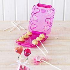 """In dieser Form entstehen CakePops, die wie Herzen oder Cupcakes geformt sind! So bekommen die trendigen Gebäckkugeln eine witzige neue Form und ein Hobbybäcker einen tollen Küchenhelfer, der noch mehr Spaß in die eigene """"Bäckerei"""" bringt. Schöne Geschenkidee!"""