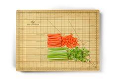 De OCD Chef Snijplank van Fred and Friends bestel je bij Cadeau. Kitchen Utensils, Kitchen Tools, Kitchen Gadgets, Kitchen Stuff, Kitchen Dining, Kitchen Items, Chef Kitchen, Buy Kitchen, Kitchen Things