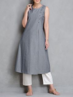 Grey Pin Stripe Cotton Kurta with Front Slit Kurta Patterns, Dress Patterns, Salwar Designs, Blouse Designs, Indian Dresses, Indian Outfits, Suits For Women, Clothes For Women, Casual Dresses