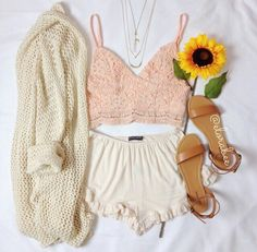 Image via We Heart It https://weheartit.com/entry/156490110 #accessories #awn #clothes #cute #fashion #flor #flower #girlie #girly #look #love #moda #outfits #pretty #romantic #romantica #top