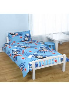 Thomas the Tank Engine, Boys Toddler Bedding - Race - http://www.childrens-rooms.co.uk/thomas-the-tank-engine-boys-toddler-bedding-race.html #thomasthetankengine #thomasandfriends #toddlerbedding