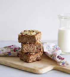 Almond, walnut & banana breakfast slice — bonnie delicious