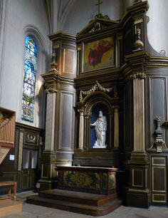 P1320217 Paris IV eglise St-Gervais-St-Protais autel transept rwk - Église Saint-Gervais-Saint-Protais de Paris — Wikipédia