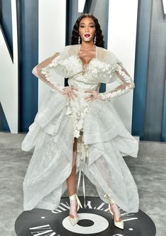 Winnie Harlow at the Vanity Fair Oscars Afterparty 2020 Winnie Harlow, Gala Dresses, Red Carpet Fashion, Vanity Fair, Couture Fashion, Celebrity Style, Celebrity Babies, Wedding Gowns, Celebs