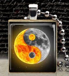gorgeous image of the sun and the moon (ying yang) Arte Yin Yang, Ying Y Yang, Yin Yang Art, Ying Yang Wallpaper, Galaxy Wallpaper, Wallpaper Wallpapers, Symbole Ying Yang, Yen Yang, Foto Logo