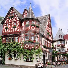 Traditional old german houses with timber framing for Traditionelles deutsches haus