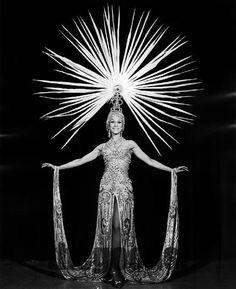 Vintage showgirl   Burlesque and showgirls -Oh la la!   Pinterest