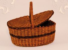 WC/519, wicker picnic basket, scale 1 : 12, made by Will Werson.
