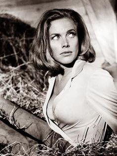 007 James Bond Girl 1964 Goldfinger: Honor Blackman as Pussy Galore (at 39, oldest Bond girl ever)