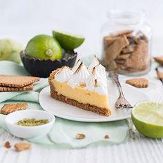 Ein Herz für Klassiker -Zitrusfrüchte: bei @birdslikecake und mir gibt es Key Lime Pie! Bei mir klassisch, bei Sara in der Mini-Variante. Schaut vorbei und backt mit uns Klassiker aus englischsprachigen Ländern zum Thema Zitrusfrüchte! Mehr erfahrt ihr auf unseren Blogs! - - - - - Key Lime Pie on the blog! 🎉 link in bio. - - - - - #foodphotography #foodstyling #food #foodie #foodblog #f52grams #pie #keylimepie #einherzfürklassiker #ausaltmachneu #maraswunderland #birdslikecake #klassiker…