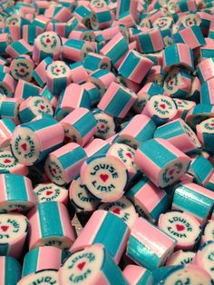 Specially design & personalised Rock Candy is totally hand crafted, which ensures a very high quality product. Personalized Candy, Personalized Wedding, Wedding Candy, Colorful Candy, Rock Candy, Candies, Homemade, Holiday Decor, Sweet