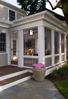 We re getting out of the cooking area today and likewise right into the screened in porch I m sharing screened in porch ideas on precisely just how to capitalize on a little budget screenedinporchblueprints outdoor patio livingroom frontporch Back Porch Designs, Screened Porch Designs, Screened Porches, Screened In Deck, Back Porches, Enclosed Porches, Front Porch Design, Cottage Front Porches, Backyard Patio Designs
