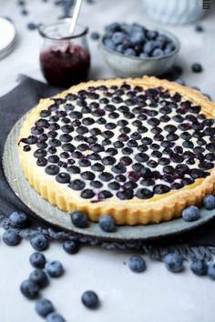 Blueberry tart with cream cheese Sweet Bakery, Cupcake Cakes, Cupcakes, Food Inspiration, Delish, Sweet Tooth, Cheesecake, Food Porn, Sweets