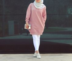 a hijabi ❤ hijab fashion, hijab chic и hijab out Modest Fashion Hijab, Modern Hijab Fashion, Street Hijab Fashion, Casual Hijab Outfit, Hijab Fashion Inspiration, Islamic Fashion, Hijab Chic, Muslim Fashion, Mode Inspiration